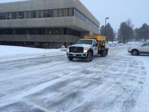 snowplow-front-of-building